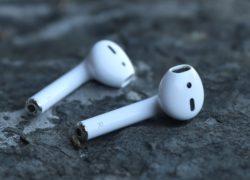 Pourquoi protéger ses écouteurs sans fils de style Airpods?